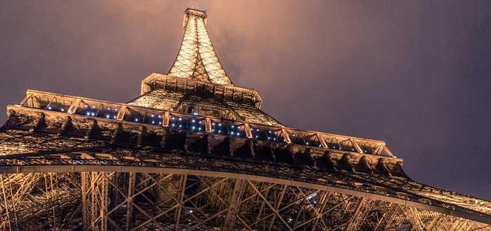 40 Impressive Eiffel Tower Curiosities 8