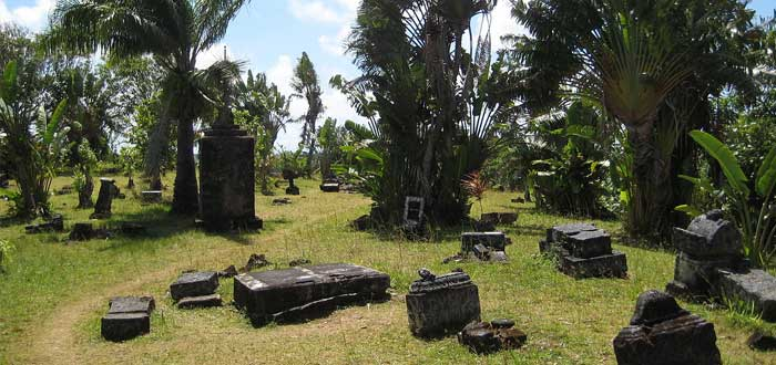 Discover the only pirate cemetery in the world 1