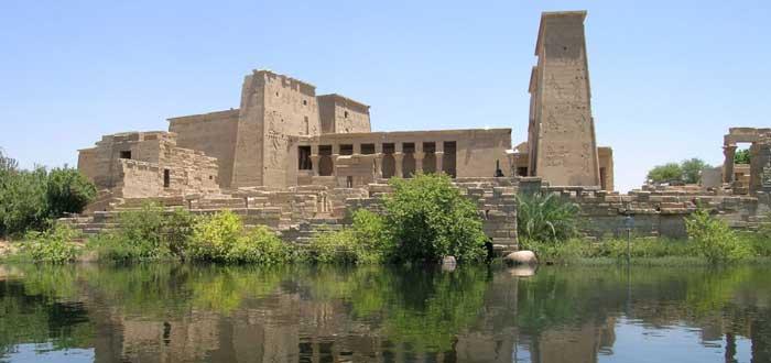 15 impressive Egyptian Temples 5