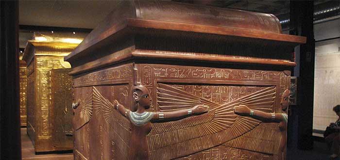 Who was Tutankhamun 4