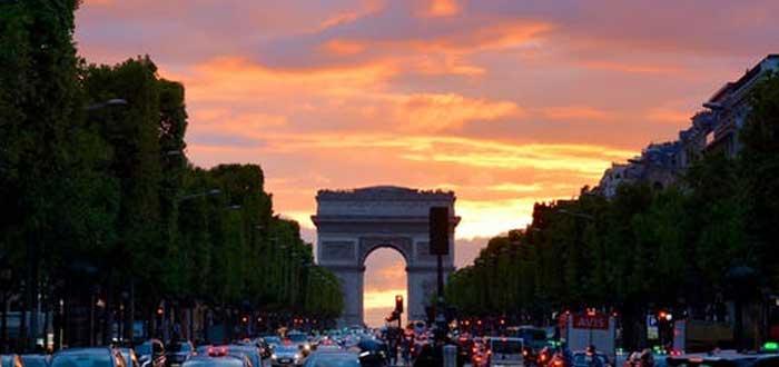 40 Curiosities of Paris, the city of light 5