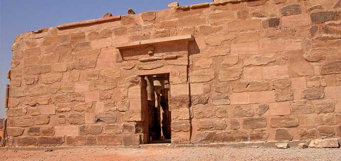 15 impressive Egyptian Temples 7
