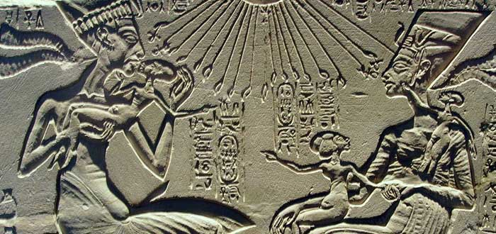 The Incest between the Egyptian pharaohs: Amenophis III