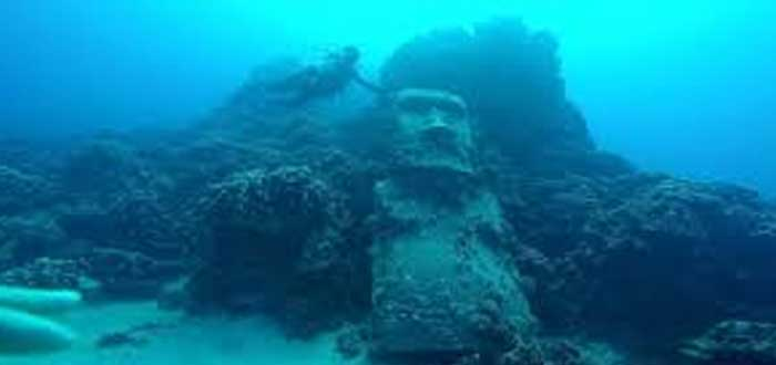 The submerged Moai of Easter Island 1