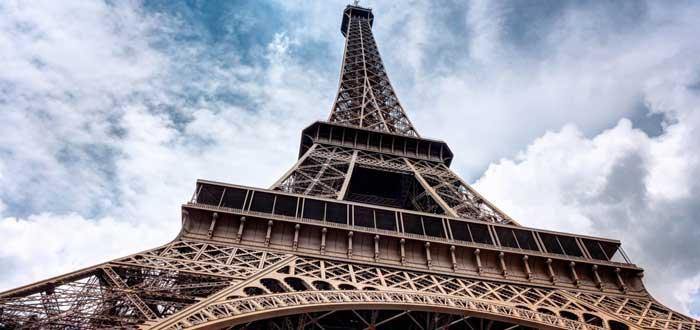40 Curiosities of Paris, the city of light 1