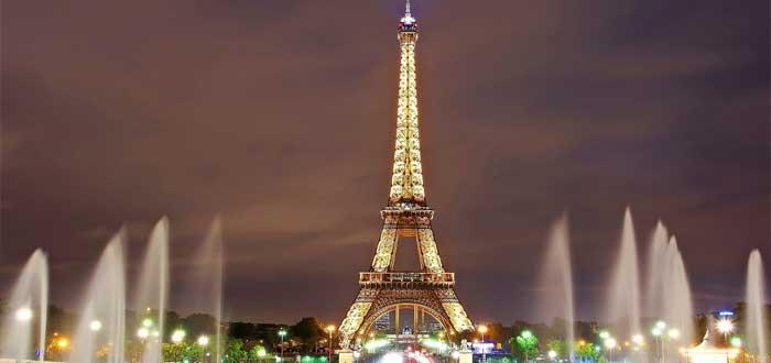 40 Impressive Eiffel Tower Curiosities 1